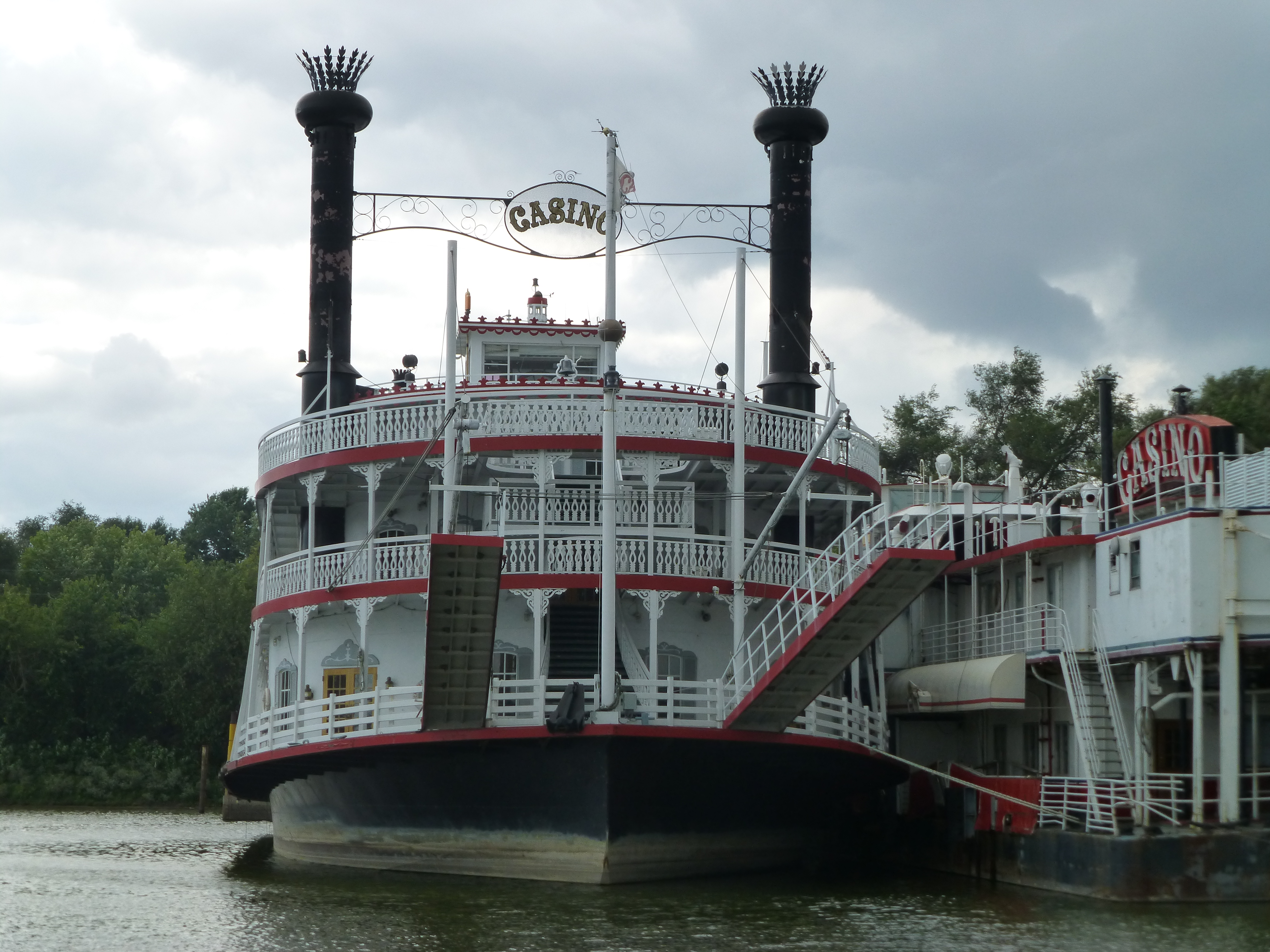Casino boat illinois philadelphia casino com